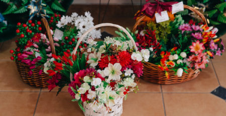 Какие цветы купить на похороны?